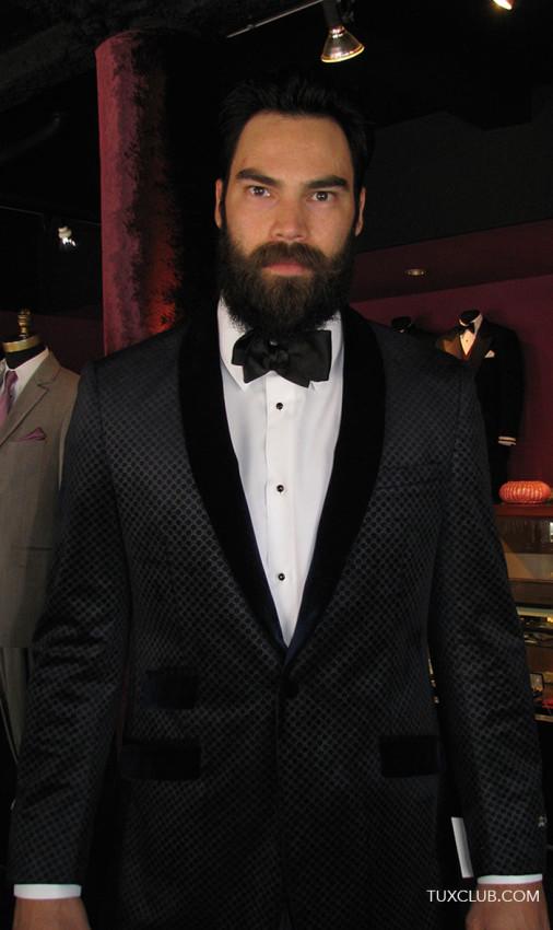 fancy-black-velvete-tuxedo